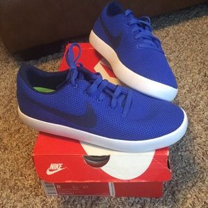 New Nike Shoes Blue Essentialist Men's Size 8